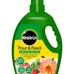 Miracle Gro® Pour & Feed 3L